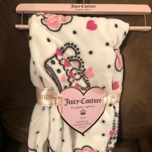 Juicy Couture Oversized Throw 50 x 70